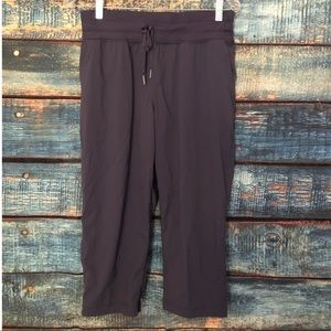 Lululemon dance studio crop pants size 6